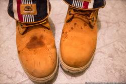 жирные пятна на обуви